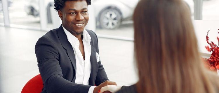 3.求人広告サイトや人材紹介サービスを利用する